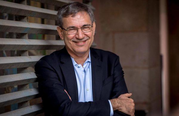 """Orhan Pamuk'un Taraf Gazetesindeki """"Eski Kitaplar"""" Başlıklı Yazısı"""