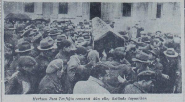 "2 Ocak 1950: ""Rıza Tevfik'i dün toprağa tevdi ettik"""